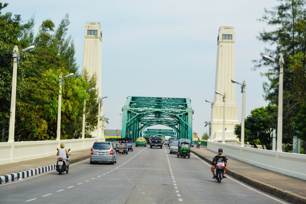 Saphan Phut (Memorial Bridge) Bangkok