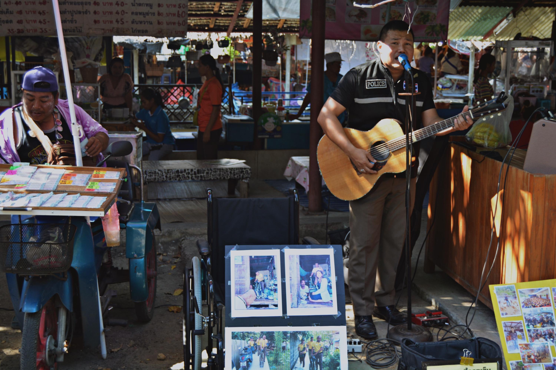 Bang Nam Pheung Floating Market Bangkok