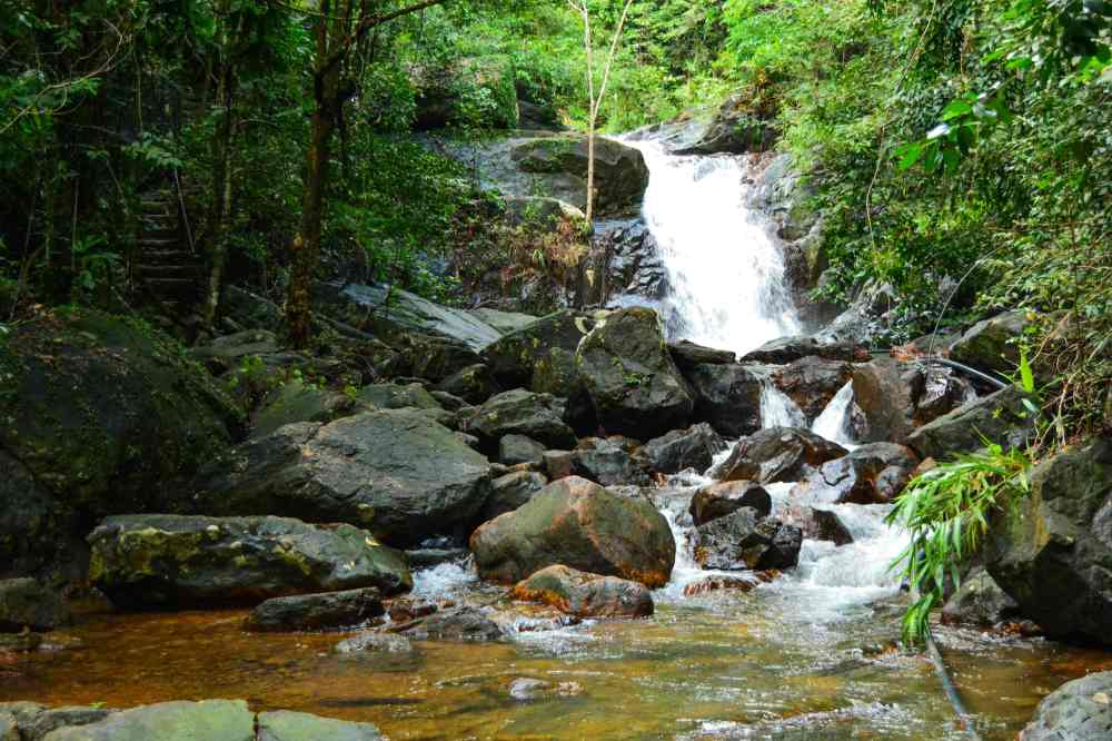 khlong nonsi waterfall koh chang