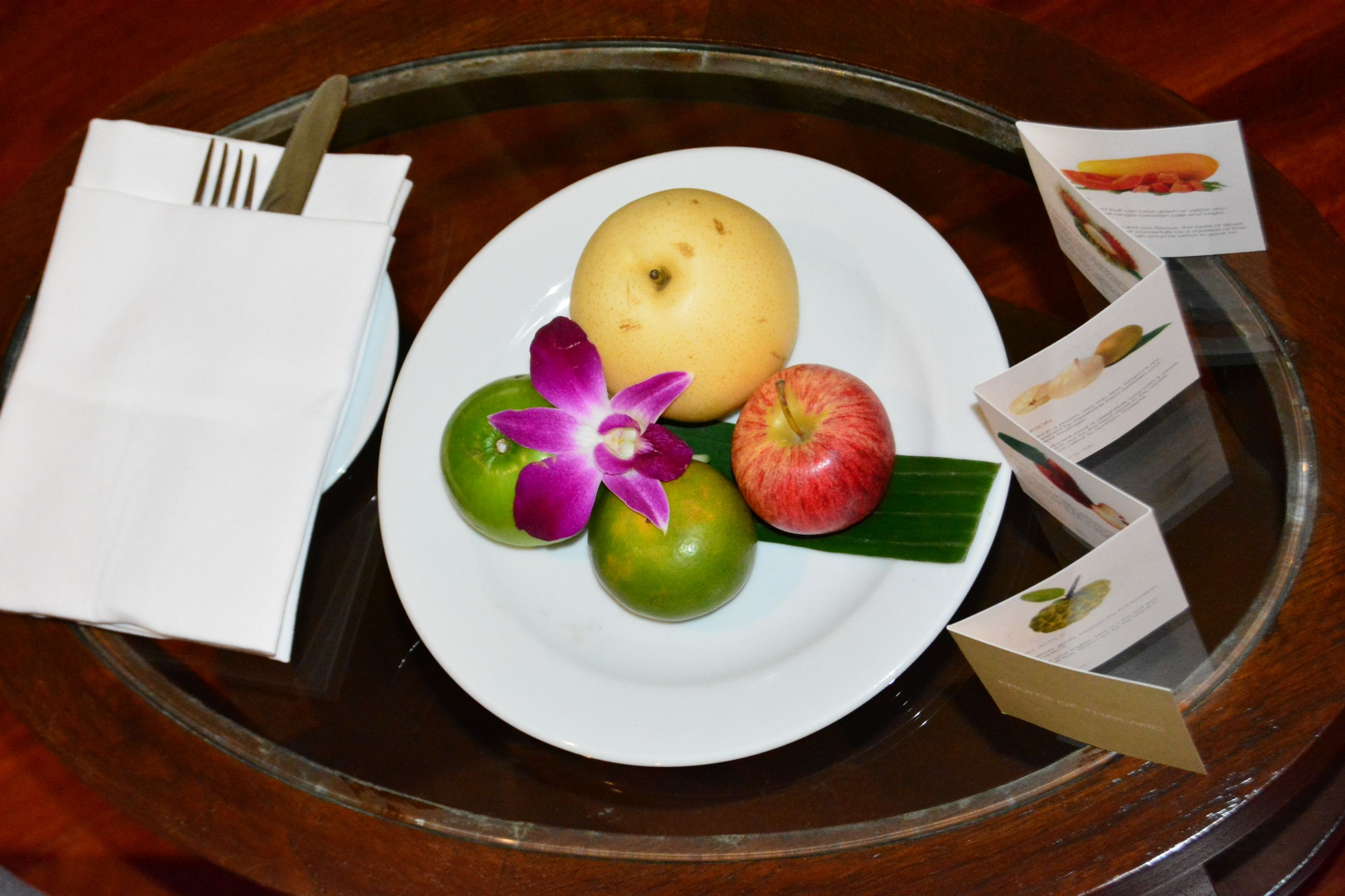 welcome-fruit-basket-anantara-riverside-bangkok