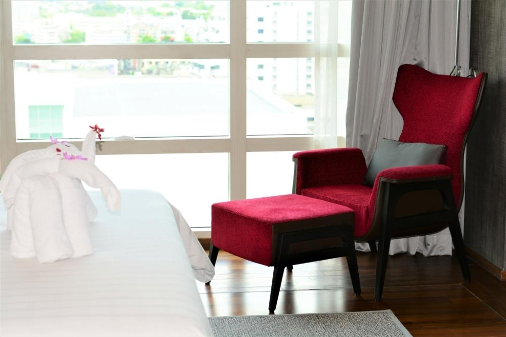 towel elephant suite pullman bangkok king power