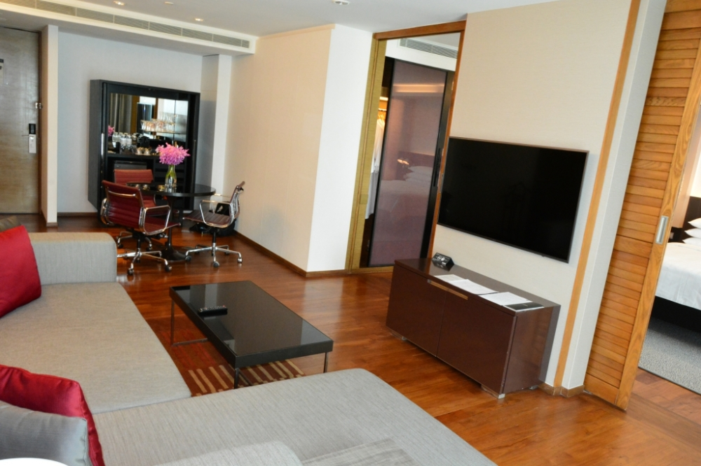living room suite pullman bangkok king power