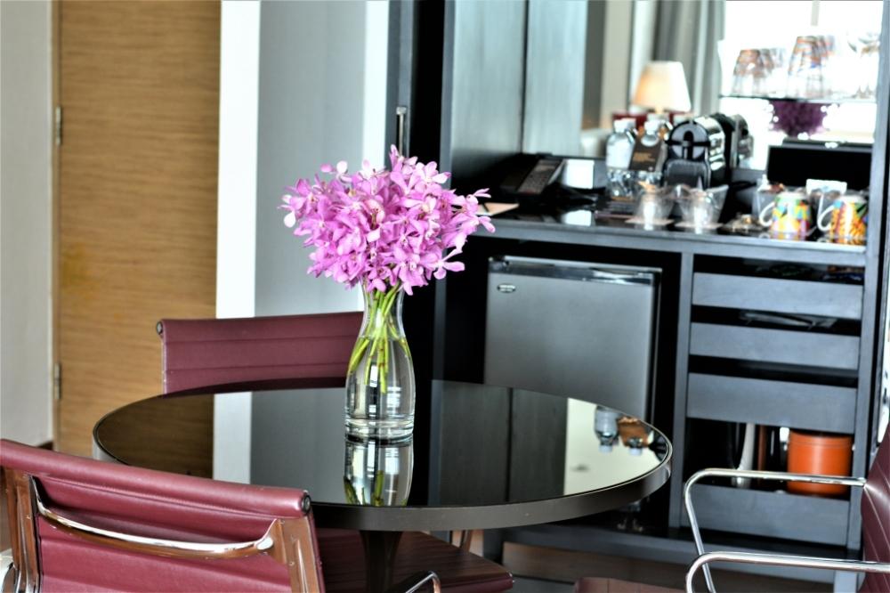 table suite pullman bangkok king power