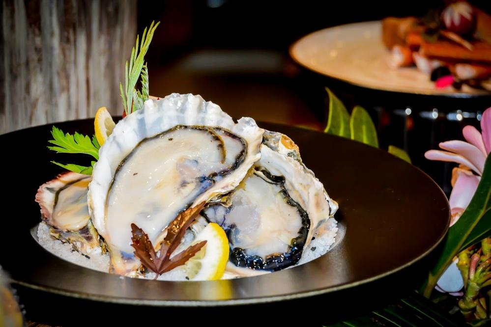 oysters seafood buffet bangkok Berkeley Hotel Pratunam