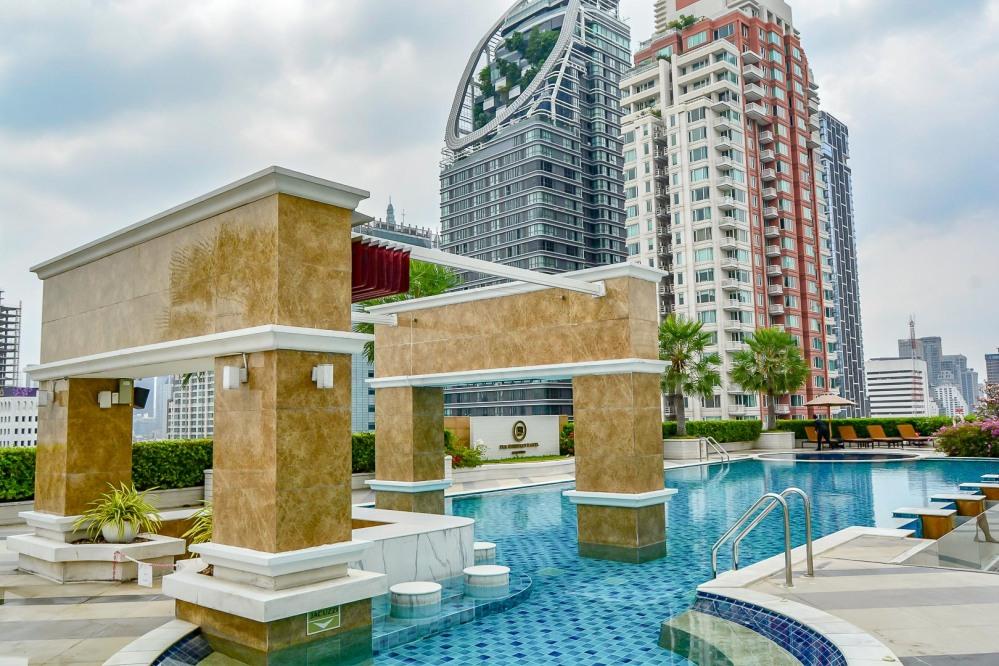 pool Berkeley Hotel Pratunam bangkok